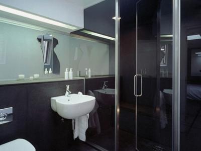 UNDER-TILE-BATHROOM-KITCHEN-WATERPROOFING2-1